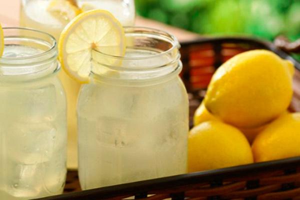 Можно ли пить лимонад при грудном вскармливании