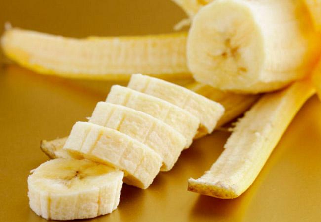 Какие фрукты можно при кормлении ребенка