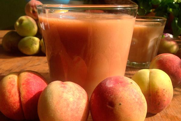 рекомендации по употреблению персикового сока во время кормления грудью