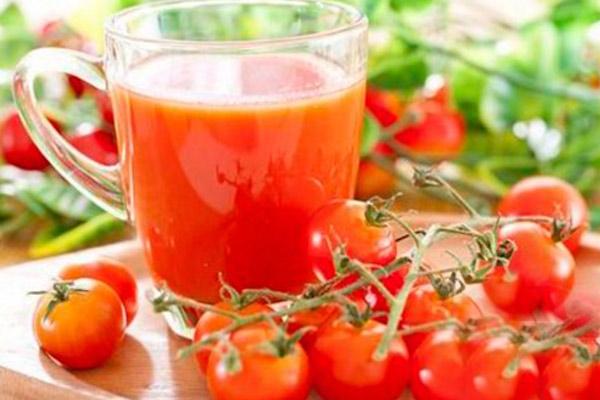 Можно ли пить томатный сок при кормлении грудью