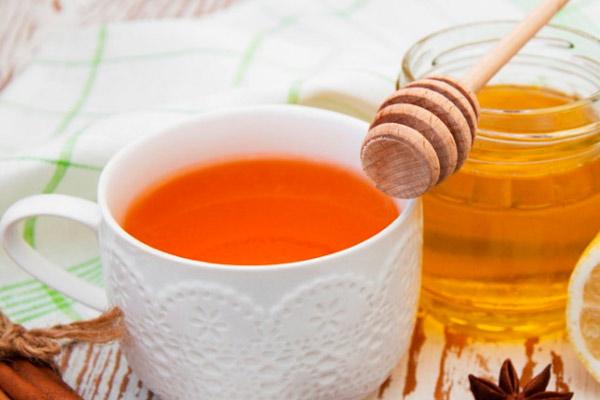 чай с медом при лактации и меры предосторожности