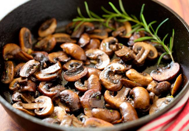 Жареные грибы при грудном вскармливании